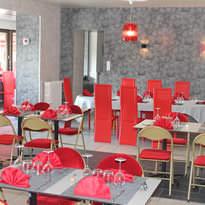 Restaurant au bord du canal de Nantes à Brest